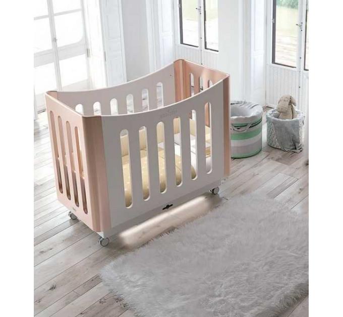 детская кроватка Micuna BabySitter с электронным качанием и подсветкой